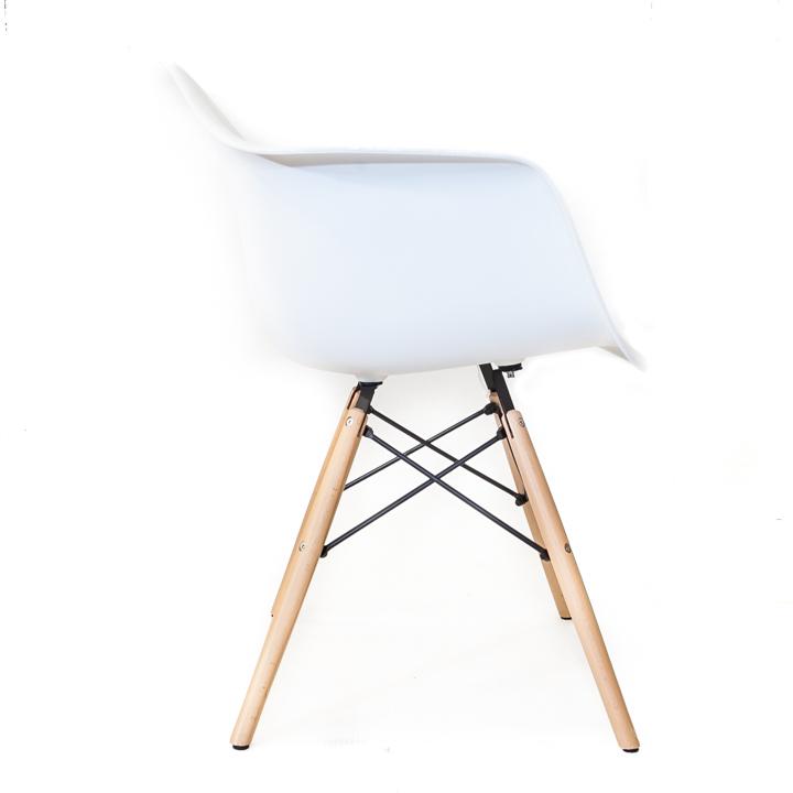 Witte Kunststof Design Stoelen.Eames Replica Eetkamer Kuipstoel Wit Bestel Bij Design Stoelen Nl