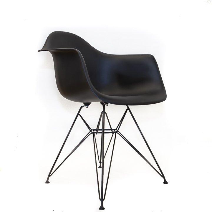 Eames replica eetkamer kuipstoel zwart bestel bij for Eames kuipstoel